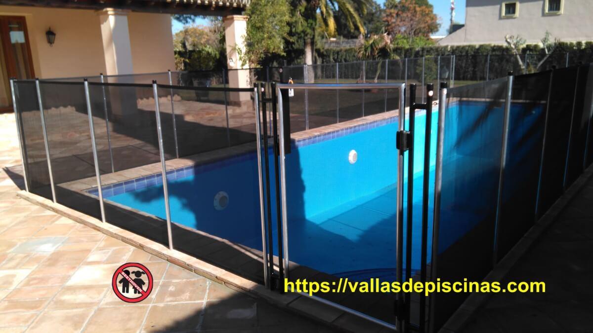 Casa en sevilla vallas de piscinas - Piscinas climatizadas en sevilla ...