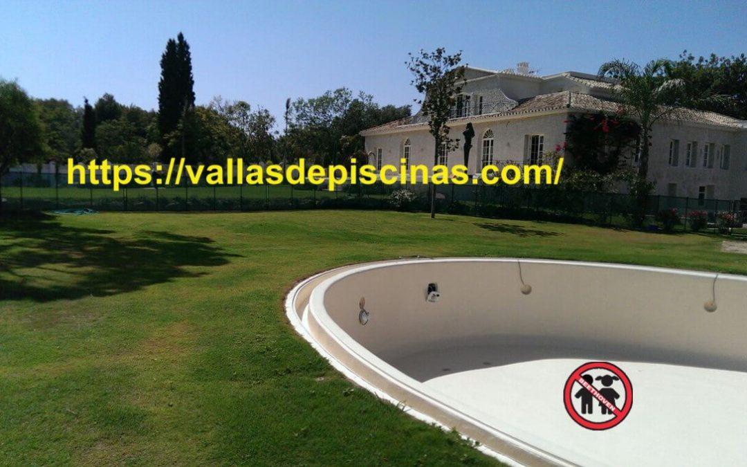 Cual es la normativa de construcción de piscinas en España?